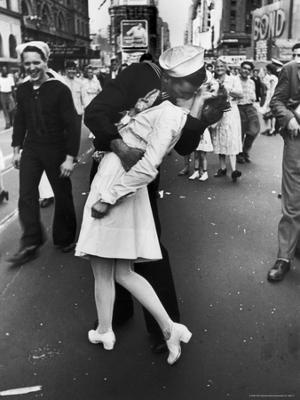 V-J Day in Times Square - Photographic Print