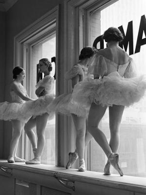 Ballerinas on Window Sill in Rehearsal Room at George Balanchine's School of American Ballet - Photographic Print