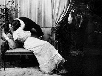 Kissing, C1900 - Photographic Print