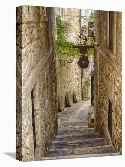 Italy, Apulia, Foggia, Vieste. A picturesque alley in Vieste old town.-Julie Eggers-Stretched Canvas Print