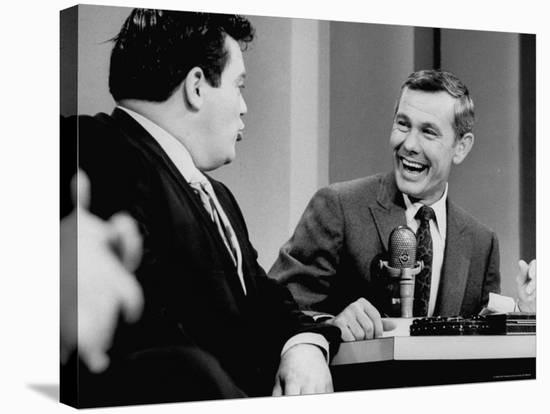 Johnny Carson and Jimmy Breslin Enjoying Conversation During Taping of the Johnny Carson Show-Arthur Schatz-Stretched Canvas Print