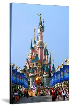 Parade In The Main Street U S A With Castle Of Sleeping Beauty Disneyland Park Paris Stretched Canvas Print Art Com