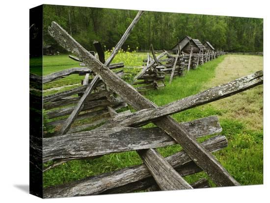 adam-jones-pioneer-homestead-exhibit-at-great-smoky-mountains-national-park