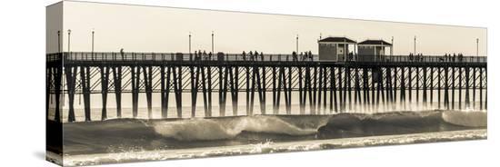 andrew-shoemaker-waves-at-the-oceanside-pier-in-oceanside-ca