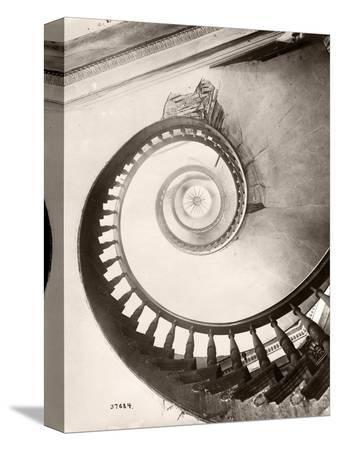 bettmann-st-louis-hotel-s-winding-staircase