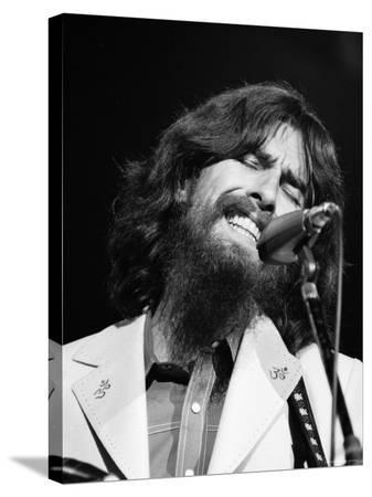 bill-ray-george-harrison-performing-at-a-rock-concert-benefiting-bangladesh-aka-kampuchea