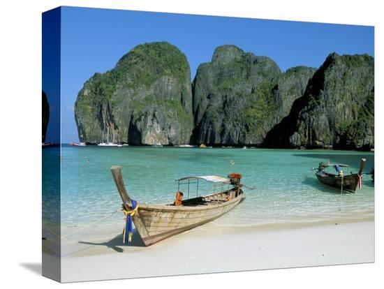 bruno-morandi-ao-maya-phi-phi-le-ko-phi-phi-krabi-province-thailand-southeast-asia