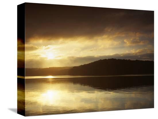 charles-gurche-lake-at-sunrise-lake-of-the-ozarks-missouri-usa