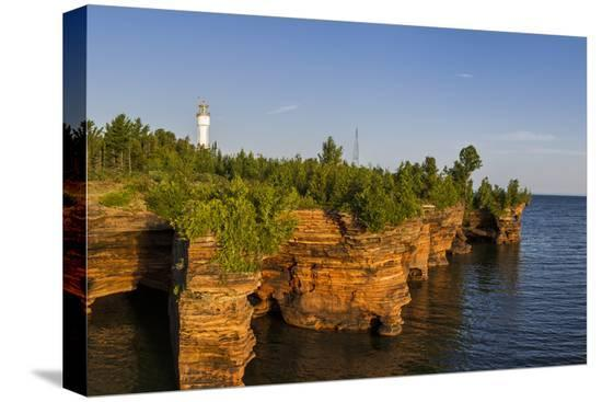 chuck-haney-sandstone-cliffs-sea-caves-devils-island-apostle-islands-lakeshore-wisconsin-usa