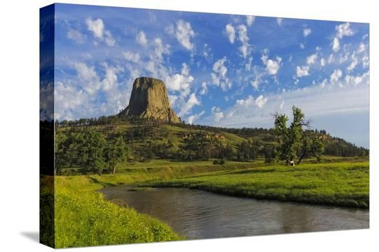 chuck-haney-the-belle-fourche-river-n-devils-tower-national-monument-wyoming-usa