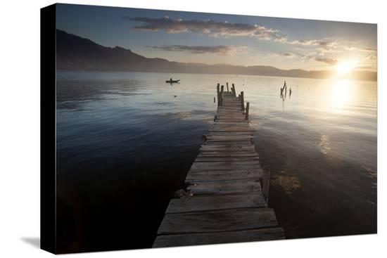 colin-brynn-fisherman-lago-atitlan-guatemala-central-america