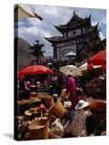 Market Day on Small Palou Island  Lake Erhai  Yunnan  China