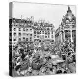 Allied Forces and French Civilians Celebrating the Liberation of Paris  Hotel De La Ville