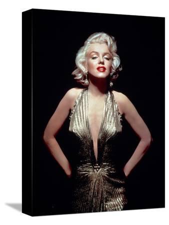 gentlemen-prefer-blondes-marilyn-monroe-directed-by-howard-hawks-1953