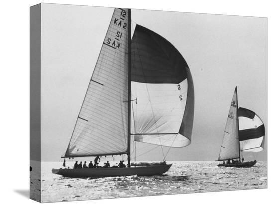 george-silk-view-of-sailboats-during-the-america-s-cup-trials