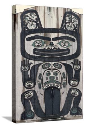 gerry-reynolds-tlingit-tribal-house-wrangell-alaska-usa