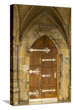 jaynes-gallery-czech-republic-prague-wooden-door-in-st-vitus-cathedral
