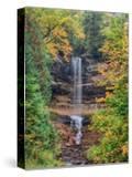 Michigan  Upper Peninsula Munising Falls in Autumn