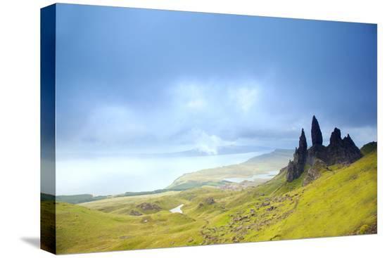 ken-scicluna-uk-scotland-inner-hebrides-isle-of-skye-the-old-man-of-storr-in-dramatic-weather