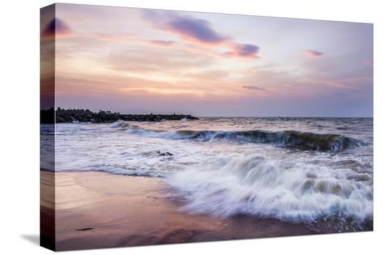 matthew-williams-ellis-waves-crashing-on-negombo-beach-at-sunset-west-coast-of-sri-lanka-asia