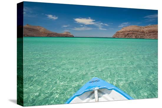 michael-runkel-little-boat-in-the-turquoise-waters-at-isla-espiritu-santo-baja-california-mexico-north-america