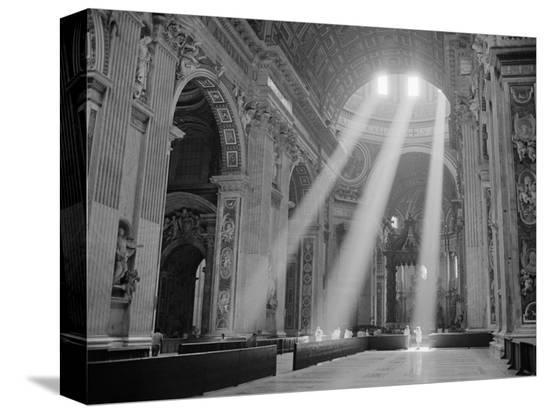 owen-franken-sunbeams-inside-st-peter-s-basilica