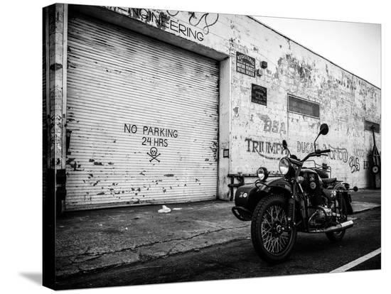 philippe-hugonnard-motorcycle-garage-in-brooklyn