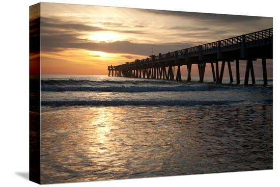 robwilson-jacksonville-beach-florida-fishing-pier-in-early-morning