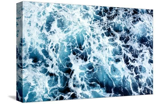 roman-sigaev-ocean-water-abstract-background