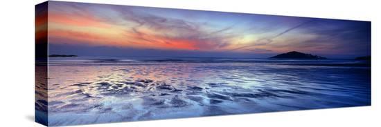 seascape-at-dusk-bantham-beach-south-devon-devon-england