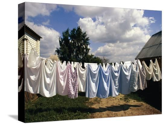 steve-raymer-laundry-on-a-clothesline