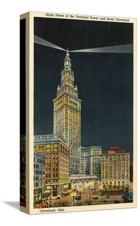 terminal-tower-hotel-cleveland-night