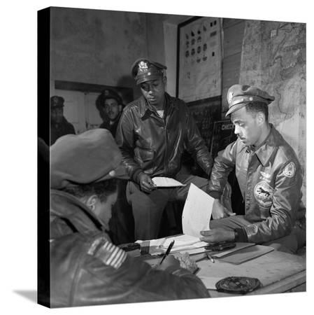 toni-frissell-wwii-tuskegee-airmen-1945