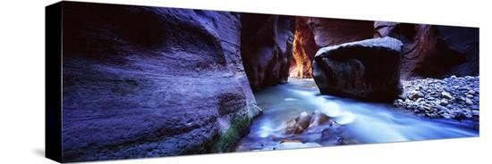 virgin-river-at-zion-national-park-utah-usa
