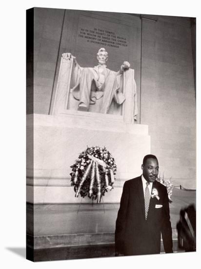 Reverend Martin Luther King Jr. at Lincoln Memorial-Paul Schutzer-Premier Image Canvas