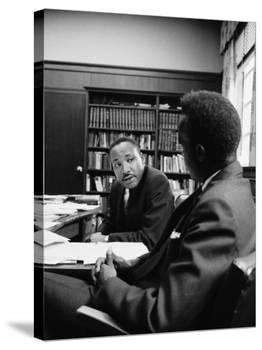 Reverend Martin Luther King Talking with Visiting African Leader Kenneth Kaunda-Alfred Eisenstaedt-Premier Image Canvas