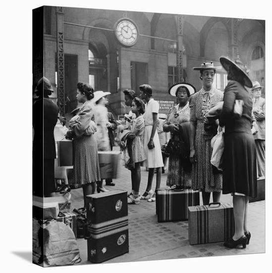 Stylishly Dressed African American Women at New York City's Pennsylvania Station. August 1942-null-Stretched Canvas