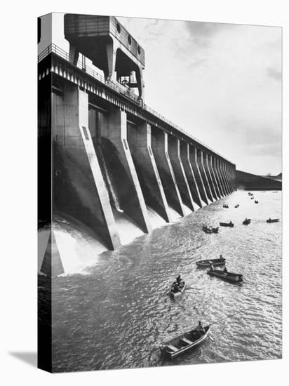 Tva Projects in the Kentucky Lake Dam-Ralph Crane-Stretched Canvas Print