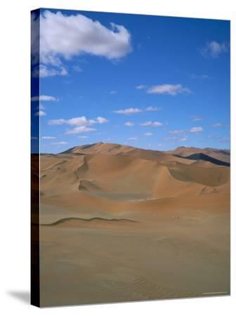Sossusvlei Sand Dunes, Namib Naukluft Park, Namibia, Africa-Geoff Renner-Stretched Canvas Print