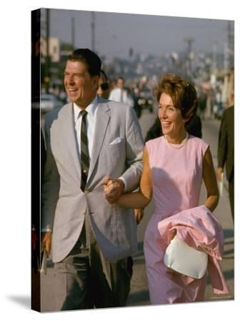 California Gubernatorial Candidate Ronald Reagan with Wife Nancy While on the Campaign Trail-Bill Ray-Stretched Canvas Print