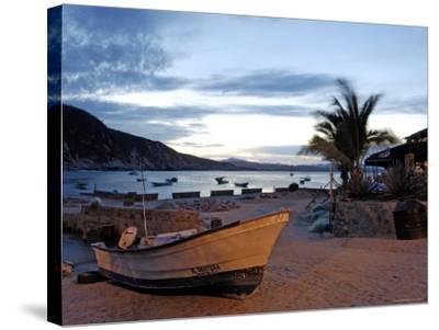 Sunrise at Tehuamixtle Beach-Dan Gair-Stretched Canvas Print