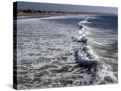 Shoreline with Waves Coming In, Pacific Beach, San Diego, California, USA-Ethel Davies-Stretched Canvas Print