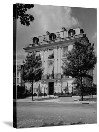A View Showing the Exterior of the Duke and Duchess of Windsor's New Home-William Vandivert-Stretched Canvas Print