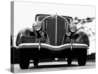Front View of 1930S Car-H^ Armstrong Roberts-Stretched Canvas Print