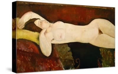 Akt Einer Schlafenden Frau (Le Grand Nu) 1917-Amedeo Modigliani-Stretched Canvas Print