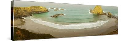 Surf at Fort Bragg, California, USA--Stretched Canvas Print