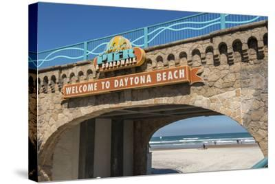 USA, Florida, Daytona Beach, Welcome sign to Main Street Pier.-Lisa S^ Engelbrecht-Stretched Canvas Print