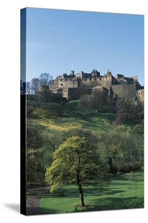 UK, Scotland, Edinburgh, Castle and Princes Street Gardens--Stretched Canvas Print