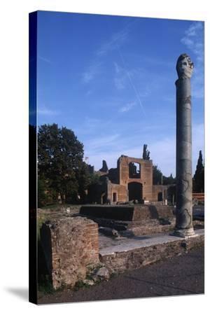 Italy, Latium Region, Rome Province, Tivoli, Hadrian's Villa, Building with Three Exedras--Stretched Canvas Print