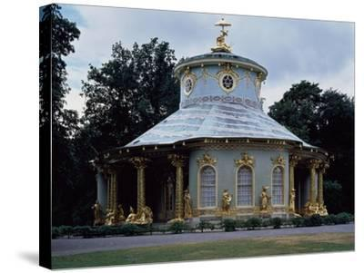 Chinese Teahouse, Circular Pavilion with Gilded 18th Century Statues--Stretched Canvas Print